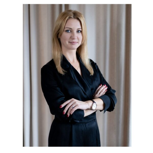 Сидорова Елена основатель и преподователь школы восстановления волос, главный технолог школы, арт-директор студии красоты ES
