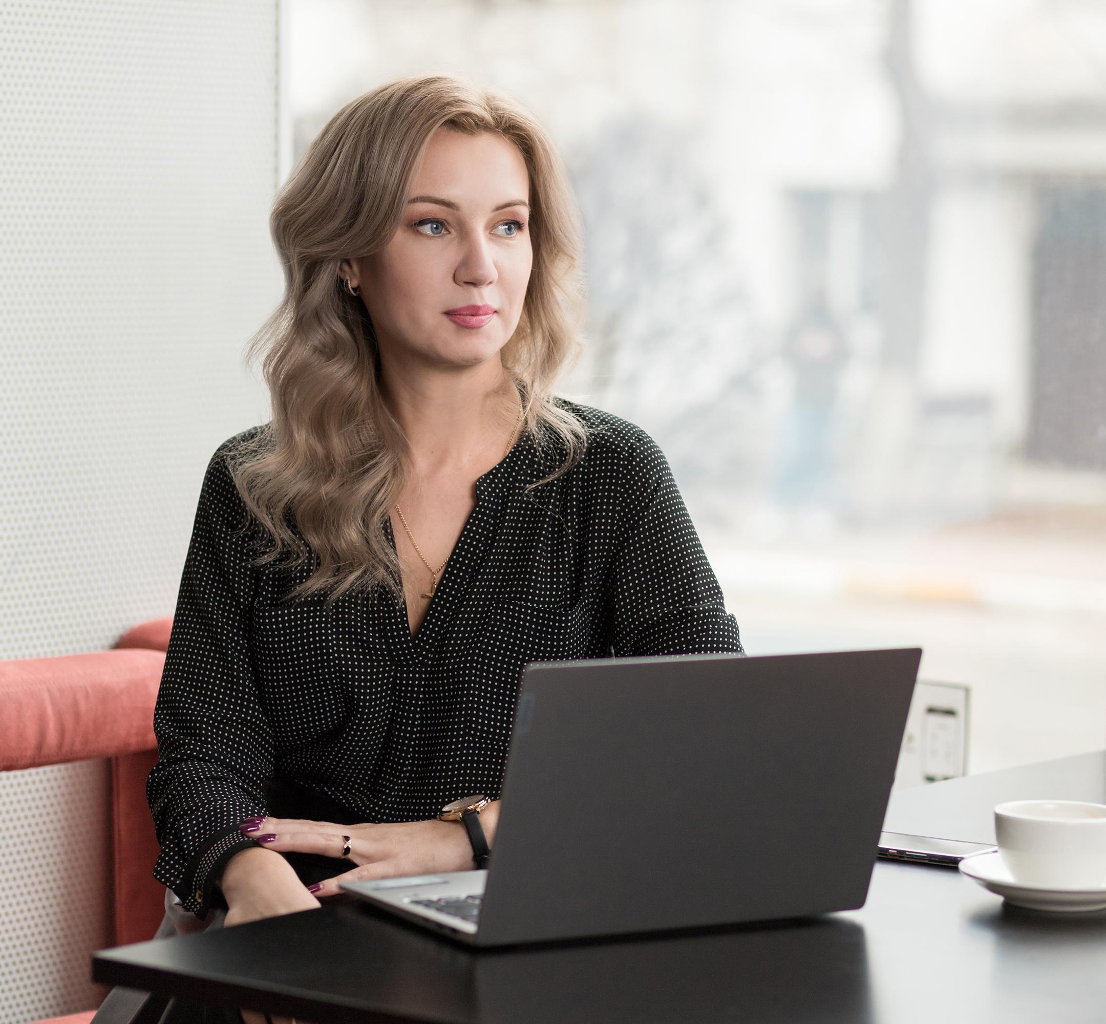 Сидорова Елена основатель и преподователь школи восстановления волос, главный технолог школи, арт-директор студии красоты ES