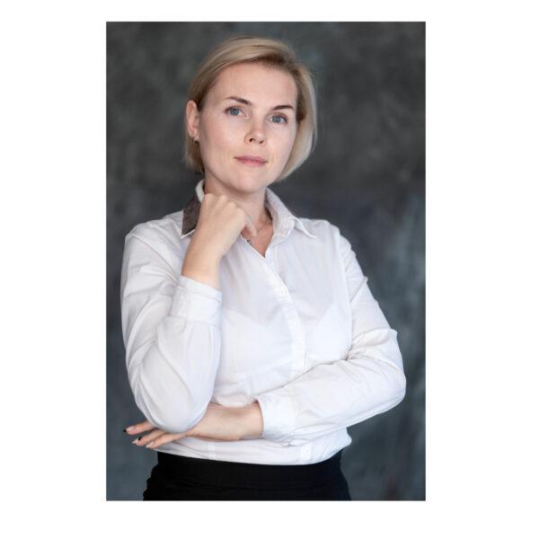 КОЛОМИЕЦ ЕЛЕНА- преподователь школы восстановления волос ES, технолог, эксперт волос